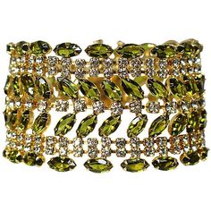 Pre-Owned Green Marquis Bracelet (995 SAR) ❤ liked on Polyvore featuring jewelry, bracelets, special occasion jewelry, evening jewelry, preowned jewelry, holiday jewelry and chains jewelry