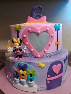 Minnie's Bowtique cake
