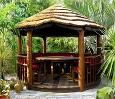 Outdoor Living - Tropical garden buildings - built in a day!