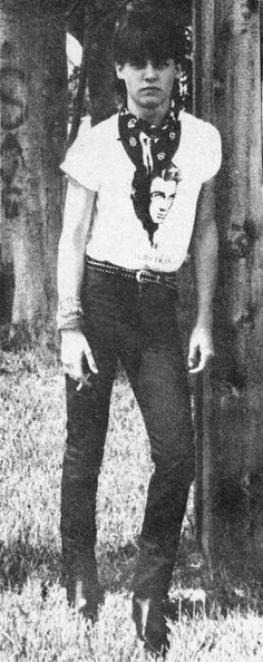 Another photo of Johnny Depp from Johnny Depp Band, Young Johnny Depp, Here's Johnny, Johnny Depp Movies, Beautiful Men, Beautiful People, Ill Stand By You, Johnny Depp Pictures, Latest Celebrity Gossip