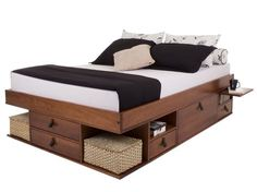 22 Clever Ideas for Multi-Functional Furniture That Are Perfect for Small Spaces Small Bedroom Furniture, Space Saving Furniture, Bed Furniture, Pallet Furniture, Furniture Design, Furniture Projects, Cama Queen Size, Beds For Small Spaces, Small Bedrooms