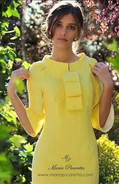 Party Dresses by María Picaretta- Vestidos de Fiesta de María Picaretta Party Dresses by María Picaretta - Vestidos Vintage, Vintage Dresses, Elegant Dresses, Beautiful Dresses, Dress Outfits, Fashion Dresses, Classy Women, African Dress, Yellow Dress
