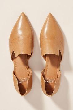 Sarto by Franco Sarto Pointed-Toe Flats By Franco Sarto in Brown Size 10 Sock Shoes, Cute Shoes, Flat Shoes, Mule Plate, Fall Flats, Flats Outfit, Italian Shoes, Travel Wardrobe, Pointed Toe Flats