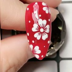 Beautiful white flowers nails,Simple nails art design videos Tutorials Compilation Part 1 nails nailart nailsdesign Rose Nail Art, Rose Nails, Flower Nail Art, Gel Nail Art, Nail Art Diy, Diy Nails, Hibiscus Nail Art, Nail Flowers, Daisy Nail Art