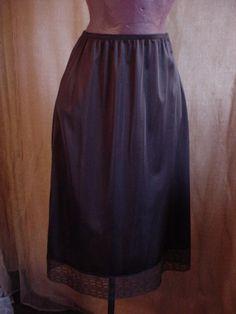 Vtg Black Half Slip with Pretty Lace at hem Below knee length size Medium 4101 #Unbranded Seller florasgarden on ebay