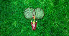 E frumos afara☀️Si vremea e calda. E momentul perfect pentru #badminton .Iesi in cel mai apropiat #parc 🌳si adu-ti aminte de #copilarie cu acest set #promotional capabil sa starneasca #nostalgia 👨👩👧👦 Badminton, Nostalgia, Logo Nasa, Tennis Racket, Pools, Park