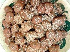 Χριστούγεννα - Page 18 of 49 - Daddy-Cool. Greek Sweets, Greek Desserts, Greek Recipes, Chocolate Sweets, Christmas Sweets, Christmas Time, Holiday Baking, Cake Cookies, Sweet Tooth