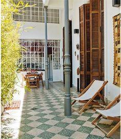 Arquitectura de casas la casa chorizo de carlos gardel en - Patios exteriores decoracion ...
