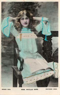 Vintage/Antique Postcard - Actress - Miss Phyllis Dare - c1904 -Unposted
