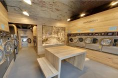 Self service laundry or laundromat or coin laundry in Barcelona Eixample, with 7 washers and 4 dryers to give a good service to our customers. Laundry Logo, Laundry Shop, Coin Laundry, Laundry Closet, Laundry Room Design, Laundry Decor, Laundry Rooms, Coin Laundromat, Laundromat Business