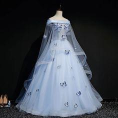 Pretty Prom Dresses, Prom Dresses Blue, Cute Dresses, Beautiful Dresses, Light Up Dresses, Homecoming Dresses, Light Blue Quinceanera Dresses, Blue Lace Prom Dress, Colorful Prom Dresses