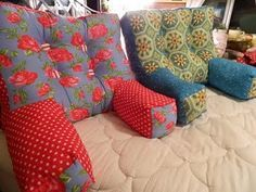 Bonnie from Wonderfully Awkward guest blogs at Sew Happy Geek with a tutorial showing how to make an armchair pillow. The shape of the pillow supports your back and gives your arms a place to rest…