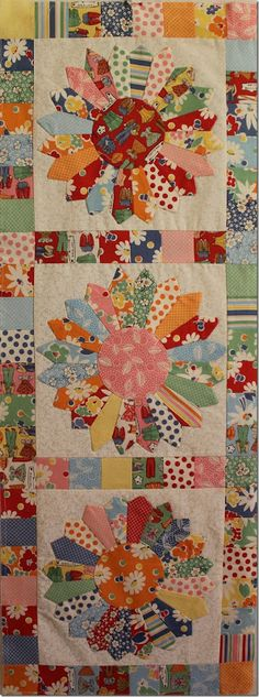 Silly Goose Quilts: Thirties Blend Dresden Plate Table Runner
