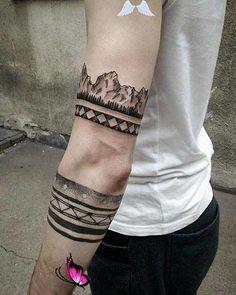 Erkek Kol Dövmesi Modelleri kol dövmeleri erkek arm tattoos for men 10<br> Kol dövmeleri popülerliği hala koruyor. Eğer kol dövmesi yaptırmayı düşünüyorsanız ve henüz bir fikriniz yoksa, erkek kol dövmesi modellerine göz atmanızda fayda var. Armband Tattoos, Arm Sleeve Tattoos, Forearm Tattoos, Finger Tattoos, Cool Tattoos For Guys, Trendy Tattoos, Small Tattoos, Tattoos For Women, Men Tattoos