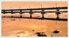 സന്ധ്യതൻ കുങ്കുമ  ചെപ്പുടഞ്ഞൊഴുകി- യതിൽ ഋതുമതിയായൊരു  കായലോരം   (Sunset view from Container Terminal Road Kochi) Photography by Arun Chullikkal Camera: MotoG