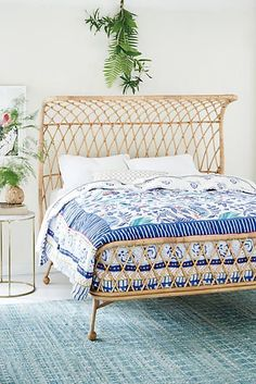 For dreamy bedroom inspiring to give you the sweetest dreams check out http://dropdeadgorgeousdaily.com/2015/09/super-pretty-duvet-covers-that-will-make-you-forget-about-your-hibernation/