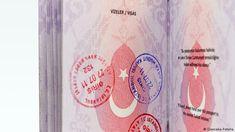 Türkischer Reisepass mit Stempeln (Giancana-Fotolia)
