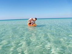 You can spend a holiday in Puglia looking for some of the best beaches for kids: Porto Cesareo, Torre Lapillo, Gallipoli, Otranto, . Best Beaches For Kids, Beach Kids, Southern Italy, Going On Holiday, Seaside, Good Things, This Or That Questions, Travel, Families