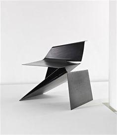Google Afbeeldingen resultaat voor http://www.chairblog.eu/wp-content/uploads/2011/03/Prototype-Origami-chair-by-Philip-Michael-Wolfson.jpg