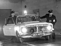 z cars tv series British Police Cars, Old Police Cars, British Car, Ford Zephyr, Manchester Police, Emergency Vehicles, Police Vehicles, Citroen Car, Police Uniforms