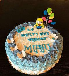Tort minion Minions, Birthday Cake, Desserts, Food, Tailgate Desserts, Birthday Cakes, Deserts, The Minions, Eten