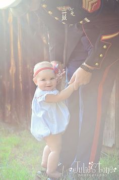Ideas Baby Pictures Military Father For 2019 Children Photography, Newborn Photography, Family Photography, Photography Ideas, Marine Baby, Military Love, Military Families, Baby Girl Photos, Daddys Girl