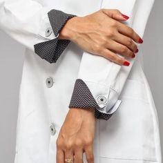 Sewing paterns added a new photo. Kurti Sleeves Design, Sleeves Designs For Dresses, Sleeve Designs, Mens Fashion Blazer, Denim Fashion, Long Sleeve Vintage Dresses, Doctor Coat, African Shirts For Men, Iranian Women Fashion