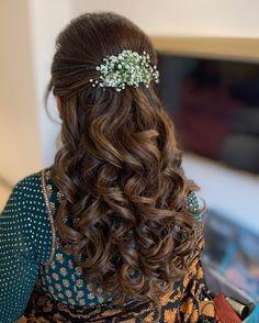 Bridal Hairstyle Indian Wedding, Bridal Hair Buns, Bridal Hairdo, Wedding Hairstyles For Long Hair, Indian Bridal Fashion, Front Hair Styles, Medium Hair Styles, Curly Hair Styles, Open Hairstyles