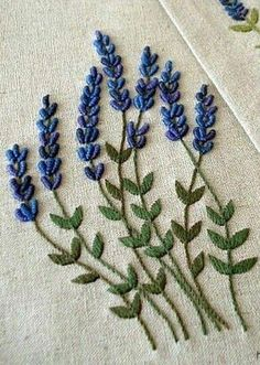 embroidery stitches for crazy patchwork new brazilian embroidery patterns Brazilian Embroidery Stitches, Hand Embroidery Videos, Embroidery Flowers Pattern, Learn Embroidery, Hand Embroidery Stitches, Silk Ribbon Embroidery, Hand Embroidery Designs, Vintage Embroidery, Embroidery Thread