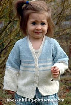 The Easy Stripes Seamless Cardigan is knitted from the top down without seams. It features raglan-style sleeves. The simple motif of blue and white stripes fade into each other and create a beautiful effect. You can also try having thicker or thinner stripes for a slightly different looking toddler knit cardigan. Seamless patterns are a great choice when it comes to clothing for children and babies. No seams means no chafing, more comfortable fit and easy-on, easy-off. This free knitting…