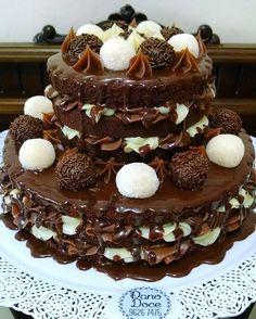 E com essa delícia fechamos o dia  Casadinho gourmet intercalado Bolo de chocolate Recheios de brigadeiro gourmet e leite ninho Cobertura de ganache cremosa E topos de docinhos Não tem como ficar melhor! igual a esse, 2 andares P 26 à 40 fatias, R$219 Amanhã tem mais, e estamos no whatsapp 88074476 até a 00:00h #prafechar #desejodanoite #cake #nakedcake #chocolate #brigadeirogourmet #leiteninho #delicia #amamos #lindão