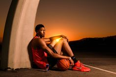 Anthony Davis Dunks the Sun With Red Bull