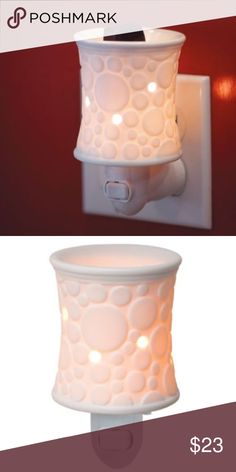 NIB never used scentsy fizz nightlight Warmer New in box never used scentsy fizz warner.  Former scentsy consultant selling inventory- nonsmoking pet free home scentsy Other