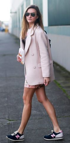 Sneakers look good with a dress and long blazer: | 29 Looks For Women Who Don't Want To Wear Heels