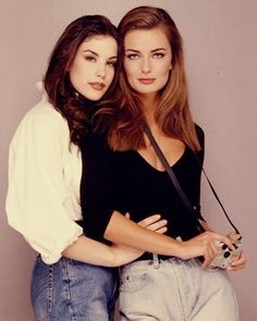 Liv Tyler and Paulina Porizkova, 1992 Paulina Porizkova, Liv Tyler Style, Liv Tyler 90s, 80s And 90s Fashion, Trendy Fashion, Fashion Beauty, Style Fashion, Original Supermodels, Foto Pose
