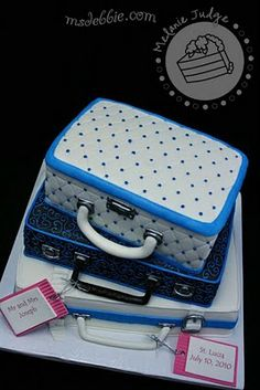 Cake Walk: Suitcases Wedding Cake