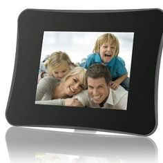 Show off your photo memories with the DP860 in this sleek contemporary frame featuring a glossy black design and a vibrant 8 LCD screen. Set