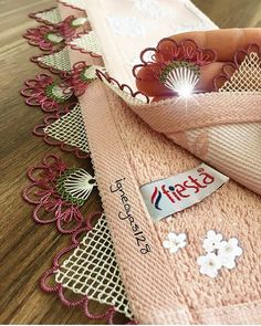 Lace Art, Shabby Home, Needle Lace, Lace Making, Bargello, Like4like, Reusable Tote Bags, Gift Wrapping, Embroidery