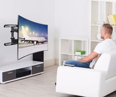 HOW TO WALL MOUNT A CURVED TV