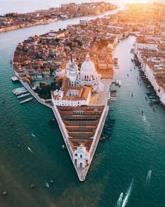 Venice is always a good idea 👌🏽 by @nk7 via @love_mood_style #italy