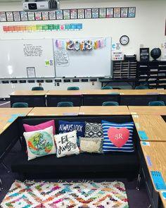 Ready for 2018 👏💛 Classroom Decor Themes, Classroom Setting, Teacher Desk Decorations, Future Classroom, Classroom Organization, Classroom Layout, 4th Grade Classroom, Classroom Design, Preschool Classroom