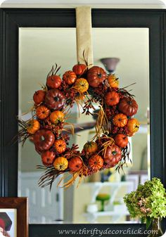 Scroll all the way through the page...So  many great fall decorating ideas!