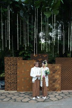 decoration wedding garden venues party ideas new New garden decoration party wedding venues ideas New garden decoration party wedding venues ideasYou can find indonesian wedding and more on our website Wedding Reception Outfit, Diy Wedding Backdrop, Diy Backdrop, Photo Booth Backdrop, Backdrops, Wedding Venues, Wedding Photos, Wedding Ideas, Dress Wedding