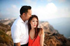 Breathtaking Santorini Engagement | Photo by Les Anagnou Photographers