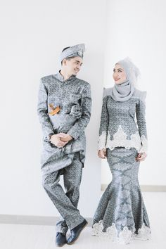 Go for a modern grey songket!