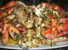 Shell Lickin' Spicy Garlic Crabs Seafood Appetizers Seafood Appetizers Appetizers Appetizers for a crowd Appetizers parties Crab Dishes, Seafood Dishes, Fish And Seafood, Cajun Seafood Boil, Spicy Seafood Recipes, Crab Meat Recipes, Lobster Recipes, Shellfish Recipes, Camarones Fritos