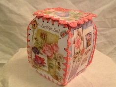 Crochet greeting card box. Pink roses! Christmas Card Crochet, Vintage Christmas Crafts, Card Basket, Paper Basket, Crochet Basket Pattern, Crochet Baskets, Christmas Greetings, Christmas Cards, Old Greeting Cards