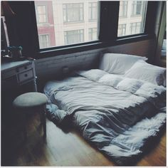 A floor bed?^ okay maybe not forever but you know. While we settle in and stuff? Dream Rooms, Dream Bedroom, Home Bedroom, Bedroom Decor, Indie Bedroom, Grunge Bedroom, Master Bedroom, Bedroom Setup, Bedroom Small