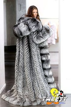 Anna Kendrick in fox fur coat by Tweety63