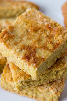 With lovely notes of lemon and vanilla. Lemon Vanilla Protein Squares are all natural and gluten free and did I mention sugar free!
